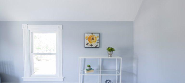 Peindre le plafond à l'aide d'un pistolet
